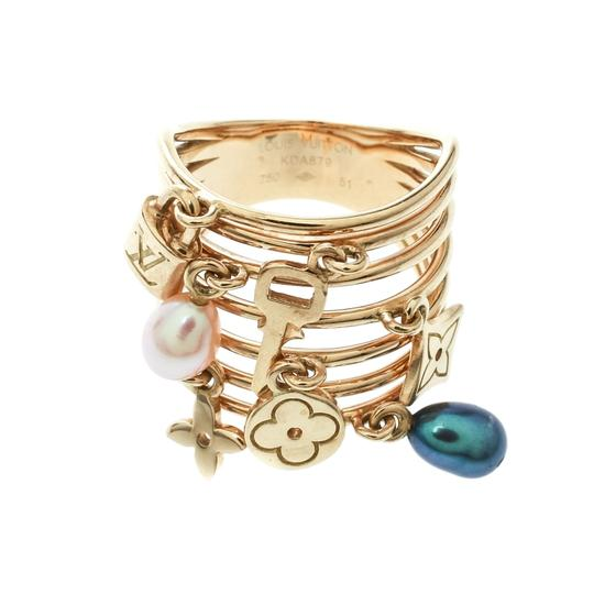Louis Vuitton Cultured Pearl & Monogram Charm 18K Yellow Gold Cocktail Ring Size 51 Image 4