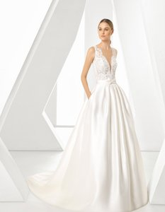 Rosa Clará Natural Dorano V-neck Lace Gown Formal Wedding Dress Size 12 (L)