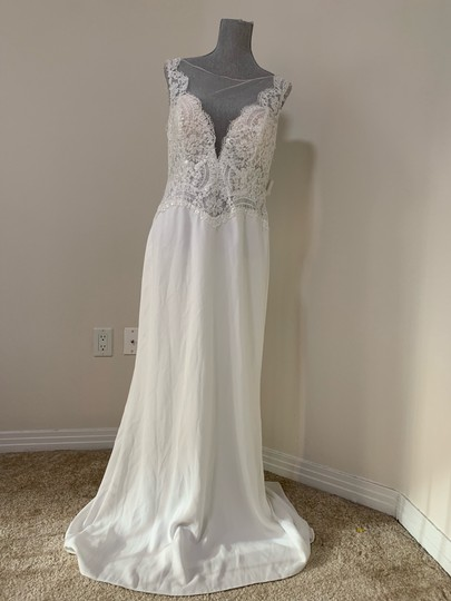 Rosa Clará Natural Dorano V-neck Lace Gown Formal Wedding Dress Size 12 (L) Image 3