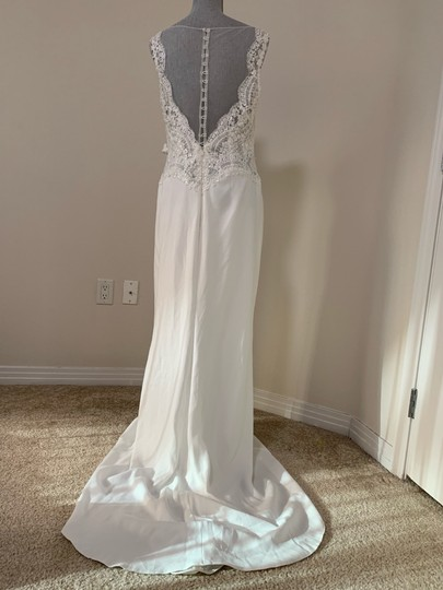 Rosa Clará Natural Dorano V-neck Lace Gown Formal Wedding Dress Size 12 (L) Image 6
