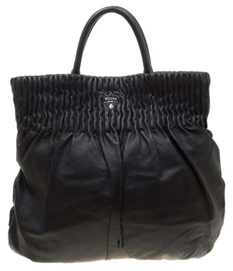 Preload https://img-static.tradesy.com/item/26022814/prada-black-leather-hobo-bag-0-1-540-540.jpg