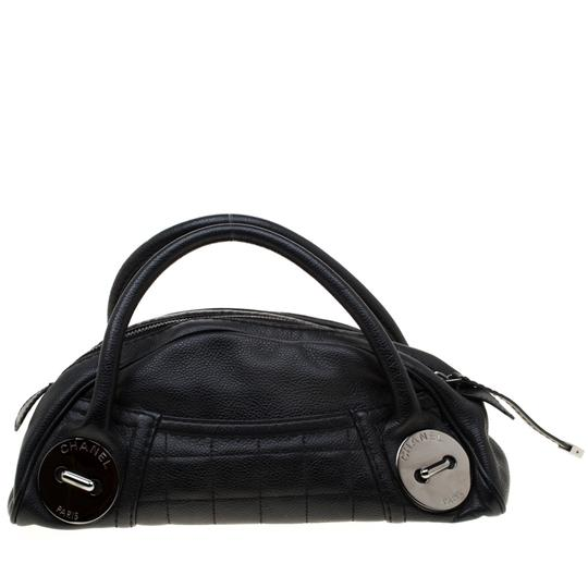 Chanel Leather Satchel in Black Image 5