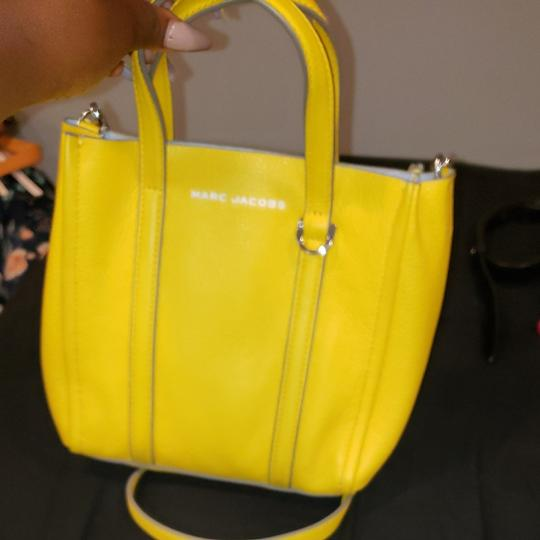 Preload https://item1.tradesy.com/images/marc-jacobs-bold-gold-21-yellow-leather-tote-26023185-0-3.jpg?width=440&height=440