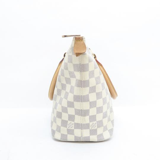 Louis Vuitton Lv Saleya Pm Canvas Tote in White Image 4
