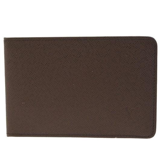 Preload https://img-static.tradesy.com/item/26023466/louis-vuitton-black-bifold-pass-card-case-taiga-leather-brown-france-wallet-0-0-540-540.jpg
