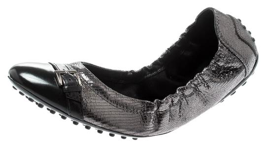 Preload https://img-static.tradesy.com/item/26023581/tod-s-grey-and-black-cap-toe-detail-scrunch-ballet-flats-size-eu-37-approx-us-7-regular-m-b-0-1-540-540.jpg