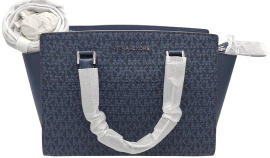 Preload https://img-static.tradesy.com/item/26024366/michael-michael-kors-medium-top-zip-selma-admiral-satchel-0-1-540-540.jpg