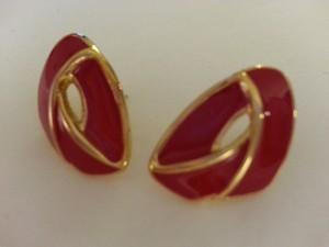 MONET MONET Vintage Red Enamel and Goldtone