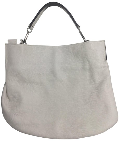 Preload https://img-static.tradesy.com/item/26024932/gianni-chiarini-white-leather-hobo-bag-0-2-540-540.jpg