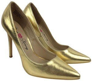 Penny Loves Kenny Gold Pumps