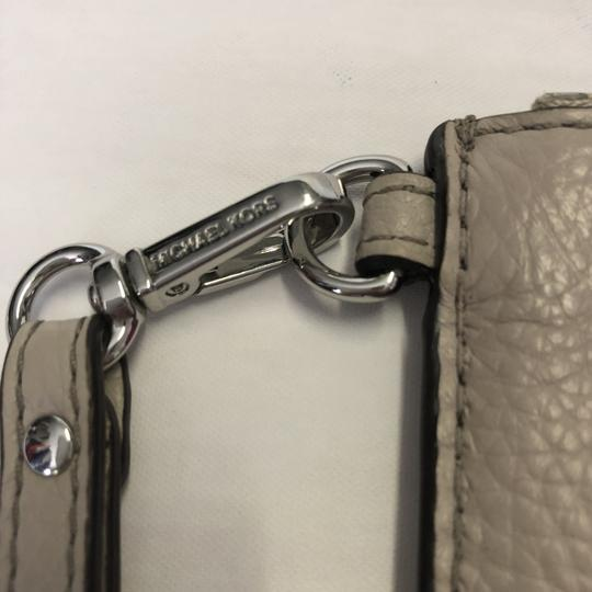 MICHAEL Michael Kors Wristlet Pebble Leather Taupe Clutch Image 3