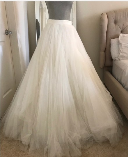 Watters Ivory Ahsan Tulle Skirt Modern Wedding Dress Size 10 (M) Image 2