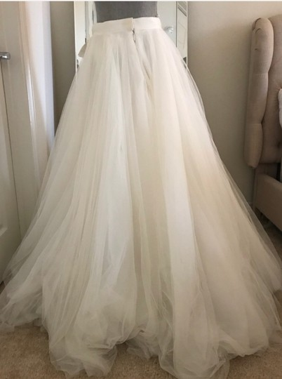 Watters Ivory Ahsan Tulle Skirt Modern Wedding Dress Size 10 (M) Image 3