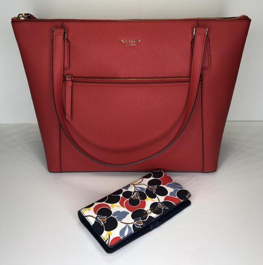 Kate Spade New York Cameron Satchel Pocket Icy Lavender Tote in Hot Chili/Breezy Floral Image 1
