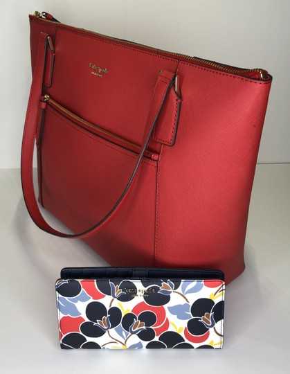 Kate Spade New York Cameron Satchel Pocket Icy Lavender Tote in Hot Chili/Breezy Floral Image 2