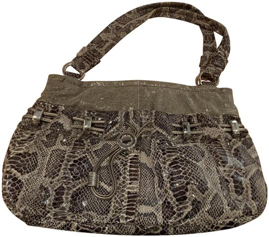 Preload https://img-static.tradesy.com/item/26025891/b-makowsky-silvergray-gray-croc-satchel-0-1-540-540.jpg