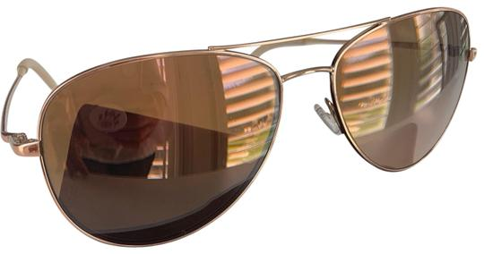 Preload https://img-static.tradesy.com/item/26026219/oliver-peoples-rose-gold-sunglasses-0-4-540-540.jpg