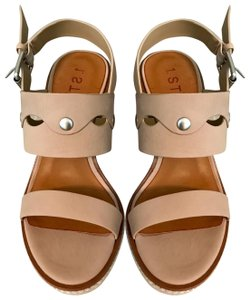 1.STATE tan Wedges