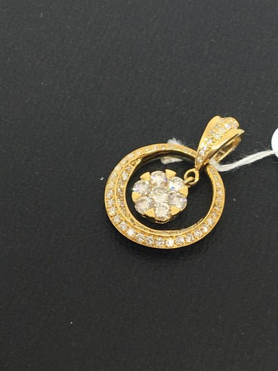 other 18K Yellow Gold Natural Genuine Diamond Circle Center Cluster Pendant Image 2