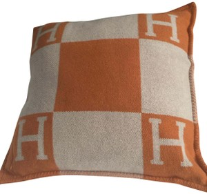 Hermès Avalan Pillow GM (Size Has Been Discontinued and Is Very Rare)