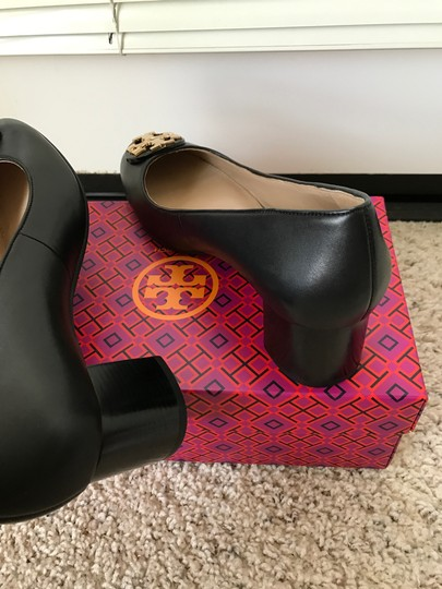 Tory Burch Janey Black Pumps Image 5