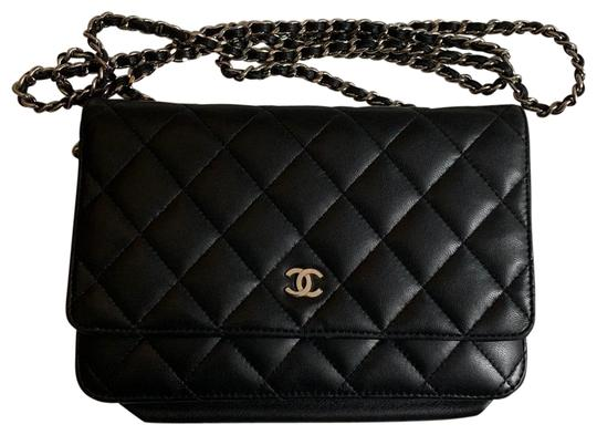 Preload https://img-static.tradesy.com/item/26030741/chanel-quilted-black-silver-lambskin-leather-cross-body-bag-0-3-540-540.jpg