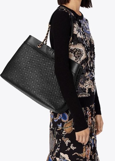 Tory Burch Quilted Leather Tote in black Image 1