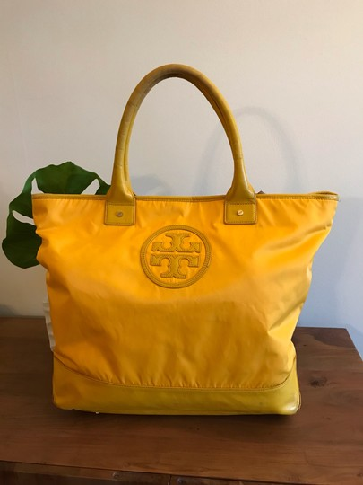 Tory Burch Extra Large Travel Work Value Tote in Yellow Image 11