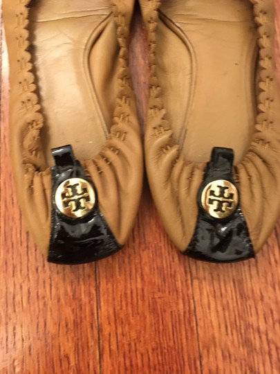 Tory Burch black + tan Flats Image 3