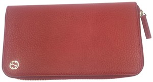 Gucci Gucci GG Logo Red Leather Zip Around Wallet #449347