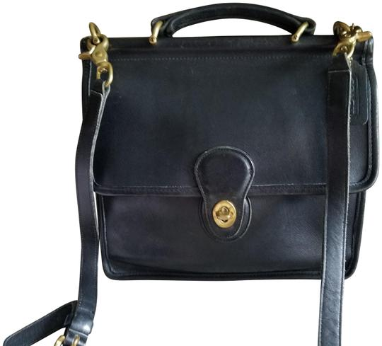 Preload https://img-static.tradesy.com/item/26030987/coach-willis-station-9927-black-leather-cross-body-bag-0-2-540-540.jpg