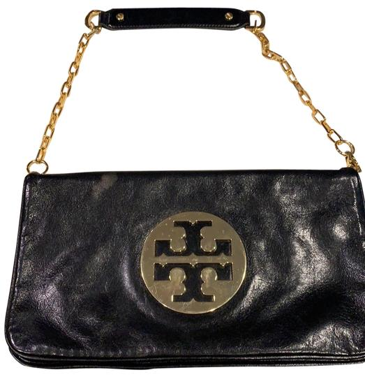 Preload https://img-static.tradesy.com/item/26031069/tory-burch-classic-black-leather-with-gold-chain-clutch-0-3-540-540.jpg