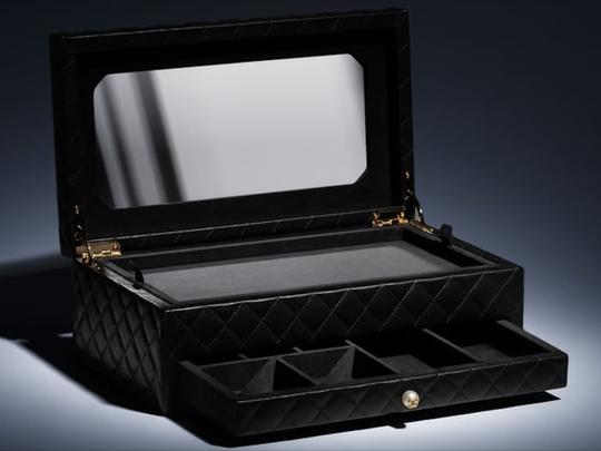 Chanel Jewelry Box Vanity Case Lambskin Leather Quilted Leather Black Clutch Image 7