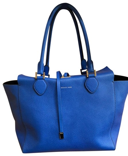 Preload https://img-static.tradesy.com/item/26031293/michael-kors-collection-large-miranda-royal-blue-leather-tote-0-2-540-540.jpg