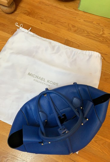 Michael Kors Collection #mirandatote Tote in Royal Blue. Image 10