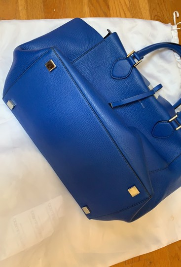 Michael Kors Collection #mirandatote Tote in Royal Blue. Image 11