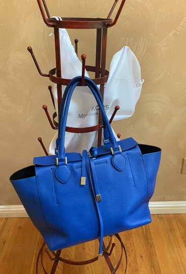 Michael Kors Collection #mirandatote Tote in Royal Blue. Image 2