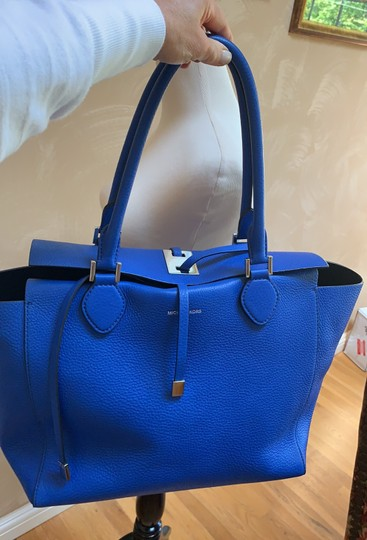 Michael Kors Collection #mirandatote Tote in Royal Blue. Image 6