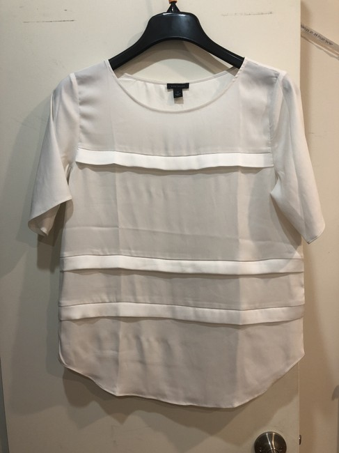 Preload https://item5.tradesy.com/images/ann-taylor-white-blouse-size-petite-2-xs-26031384-0-0.jpg?width=400&height=650