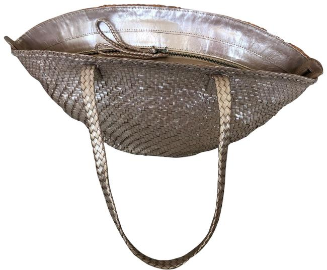 Item - Bag Light Weave Brown Leather Tote