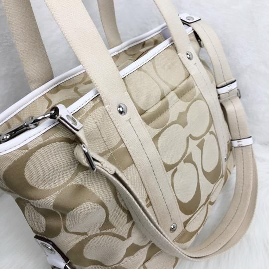 Coach Tote in Tan Image 4