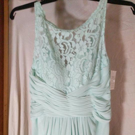 David's Bridal Mint Green Polyester Nylon and Lace Unknown Formal Bridesmaid/Mob Dress Size 8 (M) Image 2