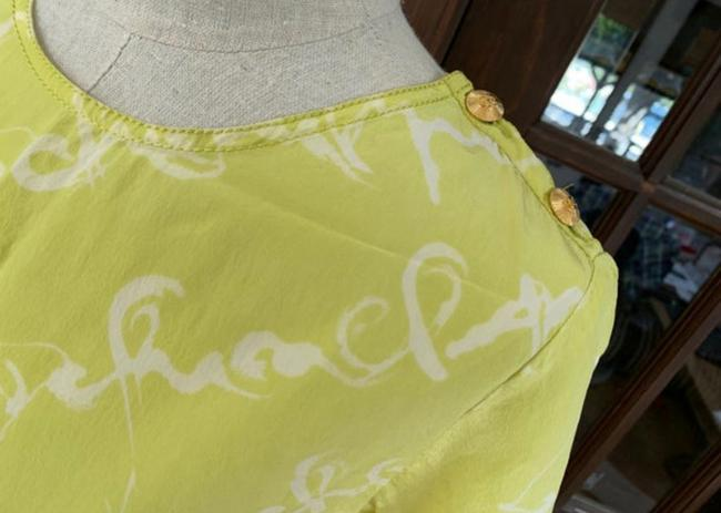 Chanel T Shirt lime green Image 8