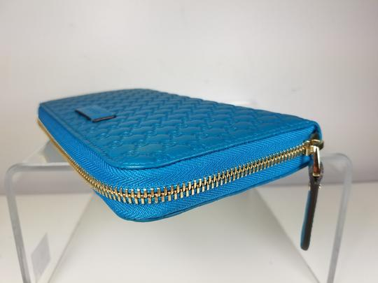 Gucci Women's 449391 Cobalt Leather Micro GG Guccissima Zip Around Wallet. Image 2
