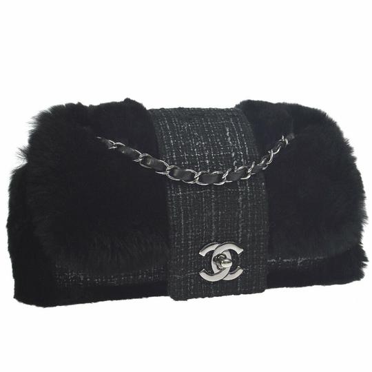 Preload https://img-static.tradesy.com/item/26031702/chanel-classic-flap-rare-vintage-orylag-black-and-grey-tweed-fur-cross-body-bag-0-0-540-540.jpg