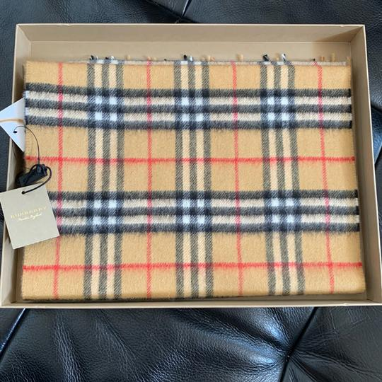 Burberry The Classic Vintage Check Cashmere Scarf Image 5