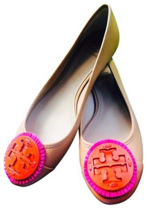 Tory Burch tan multi Wedges