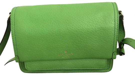 Preload https://img-static.tradesy.com/item/26031759/kate-spade-green-leather-messenger-bag-0-2-540-540.jpg