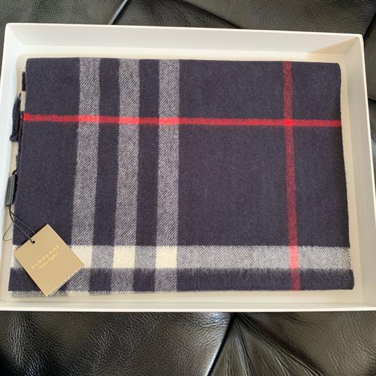 Burberry The Classic Vintage Check Cashmere Scarf Image 8