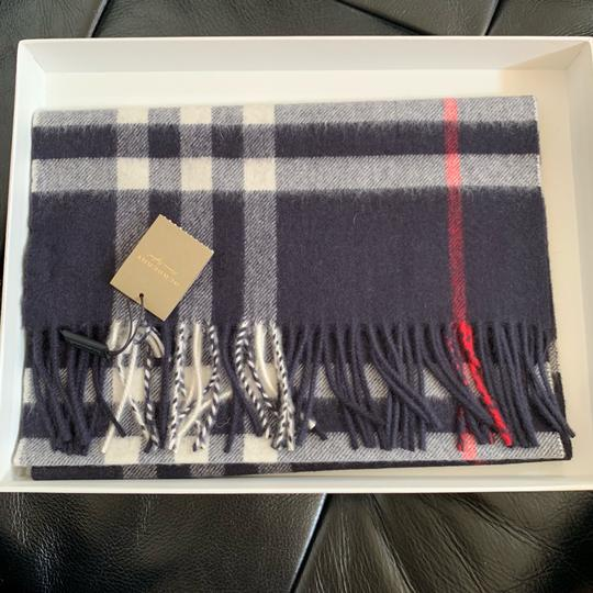 Burberry The Classic Vintage Check Cashmere Scarf Image 9